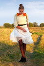 Black-chunky-heel-oasis-boots-cream-as-a-skirt-h-m-dress-tawny-primark-bag
