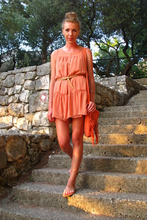 carrot orange fringes Primark bag - light orange ruffles H&M dress