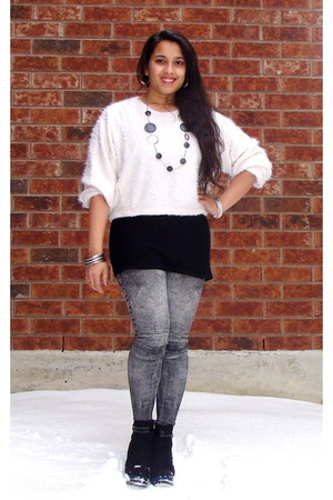 white Frontrowshop sweater - black OASAP boots - black black tank Blue Note top