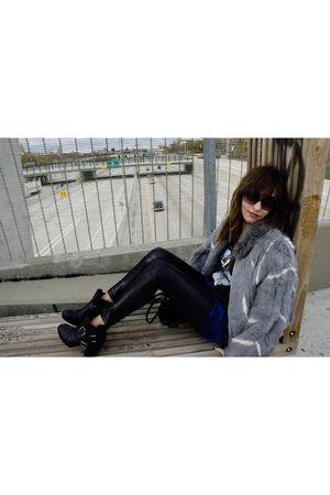 vintage fur coat - vintage Black Sabbath shirt - Forever 21 leggings - dolcetta