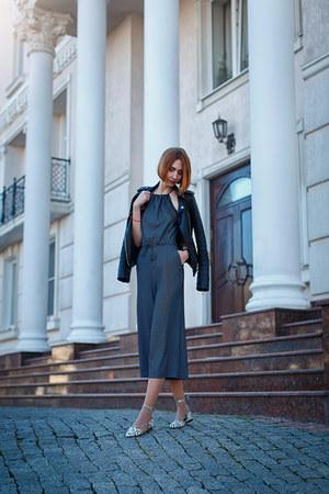 charcoal gray H&M dress