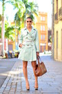Queens-wardrobe-dress