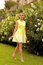 Teria Yabar dress