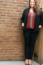 brick red kohls top - black Old Navy jeans - Nine West heels