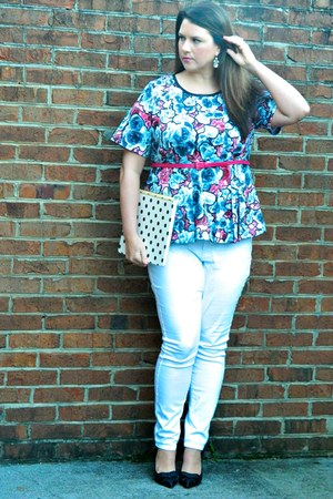 white Old Navy jeans - Gwynnie Bee shirt - black Sole Society heels
