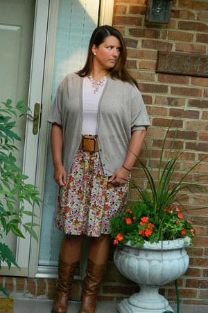 francescas skirt - camel Steve Madden boots - beige Burlington coat factory belt