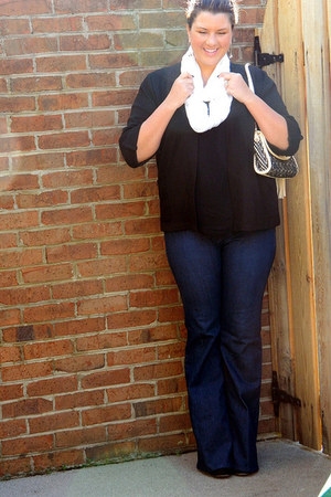 Couture Crush purse - navy Loft jeans - white Tinsel and Treasure scarf
