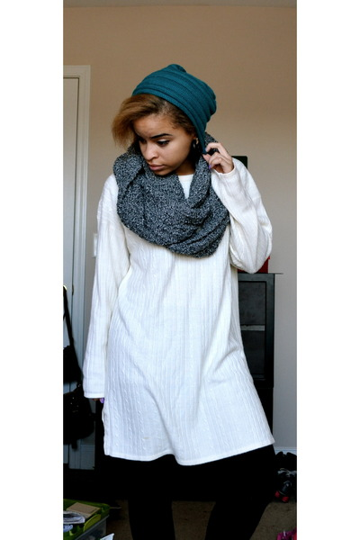 charcoal gray eternity scarf UO scarf - teal f21 hat
