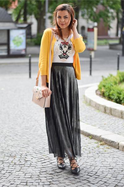 black Deichmann shoes - mustard H&M sweater - peach Primark bag - gray c&a skirt