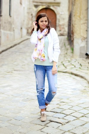 white Sheinside jacket - camel CCC shoes - blue new look jeans - white H&M scarf