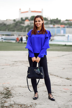 blue Stradivarius blouse - black zaful bag - black pull&bear pants