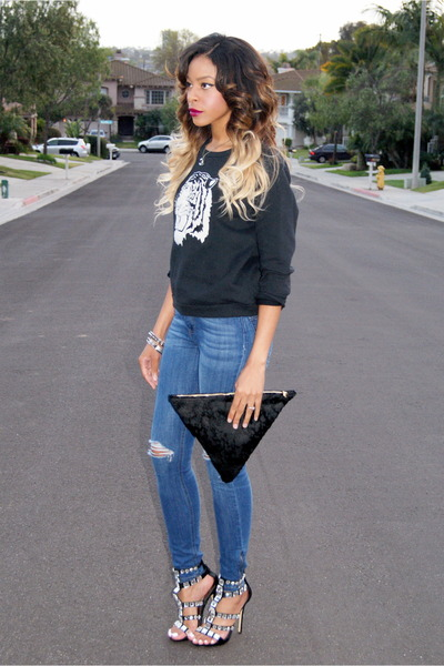 black clutch Geneva J bag - blue ripped Topshop jeans