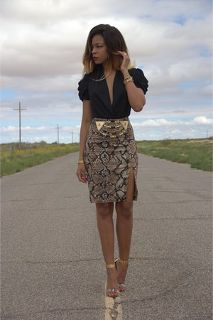 tan python print Altuzarra for target skirt - black deep v Bebe bodysuit