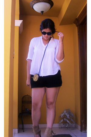 white Forever 21 blouse - black Forever 21 shorts - black purse - black sunglass