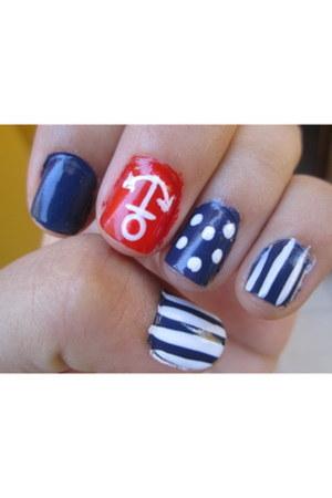 nail polish accessories