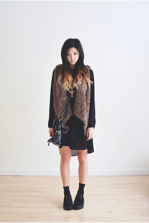 dark brown faux fur Sheinside vest - black Sheinside shoes