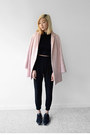 Black-nike-shoes-pink-topshop-jacket-black-2020ave-top-black-2020ave-pants