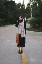 cream knit ianywear scarf - dark brown wedged Shoppalu boots