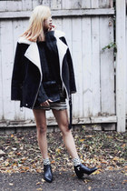 gray 2020AVE sweater - black Senso boots - gray raquel allegra shorts