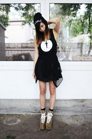 black 90s lullaby shirt - black 90s lullaby skirt - black twiceshy top