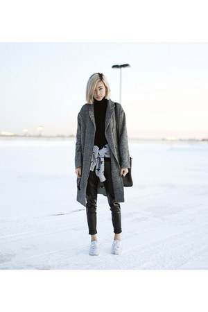 charcoal gray Front Row Shop jacket - black accessories