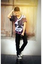 black batik t-shirt - black jeans