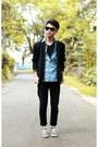 Black-jeans-black-jacket-light-blue-shirt