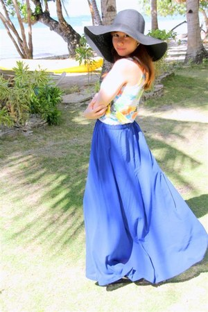 blue cobalt blue Forever21 skirt - floppy hat thrifted hat - white top