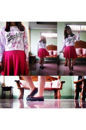 Skater Skirt skirt - Girlfriends cardigan - Sports loafers