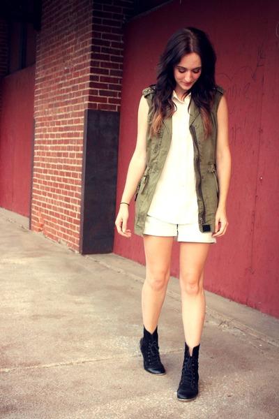 Target shorts - Forever 21 vest