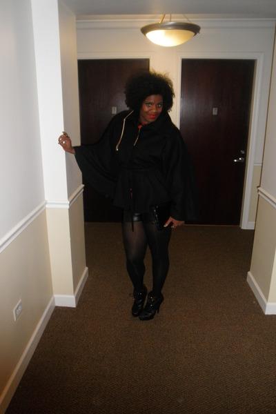 black Newport News cape