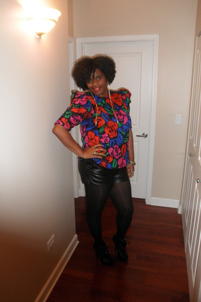blue puff sleeve thrifted vintaged blouse - black peep toe boots
