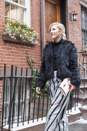black silk midi Rae Francis skirt - black faux fur Buffalo coat