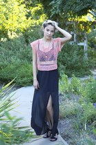 salmon free people top - black brandy melville top - black Lily White skirt