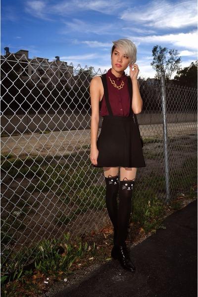 black kitty tights - black leather boots - black suspender H&M skirt