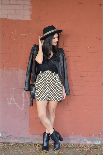 white vintage shorts - black JustFab boots - black VANESSA BRUNO jacket