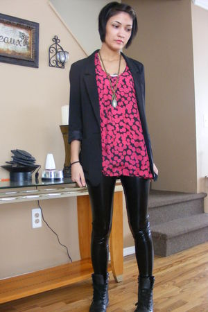 black H&M blazer - black Wanted boots - black leggings - red Forever 21 top