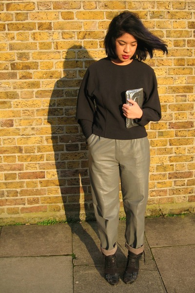 navy cocoon sleeve asos top - heather gray leather vintage pants