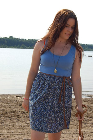 sky blue Old Navy dress - brown Forever 21 bag - brown H&M belt - bronze Forever