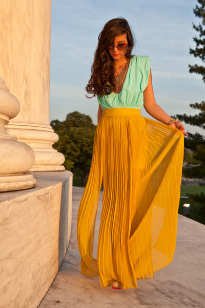 mustard maxi skirt findersKEEPERS skirt - aquamarine bodysuit Aqua bodysuit