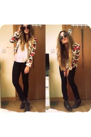 dark brown cowboy boots boots - black allsaints jeans - off white rose H&M jacke