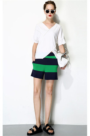 Q&A Fashion top - Q&A Fashion skirt
