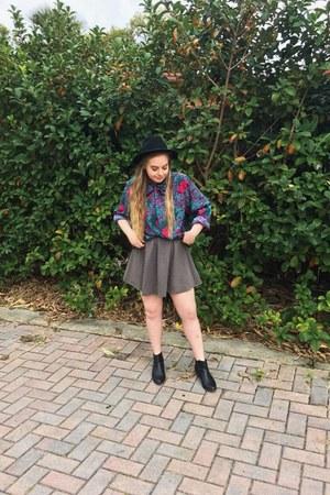 black Forever 21 boots - black Forever 21 hat - heather gray Forever 21 skirt