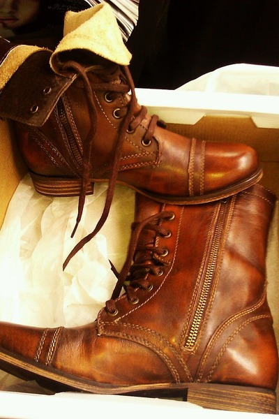 dark brown Steve Madden boots