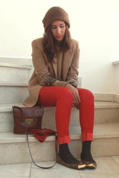 red Mango pants - light brown Zara blazer - crimson pull&bear bag