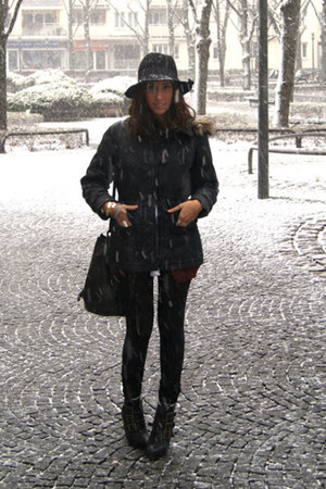 black BLANCO boots - black H&M coat - black Zara hat - black H&M bag