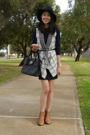 Dotti vest - rubi boots - Missguided dress - cotton on hat - Mulberry bag