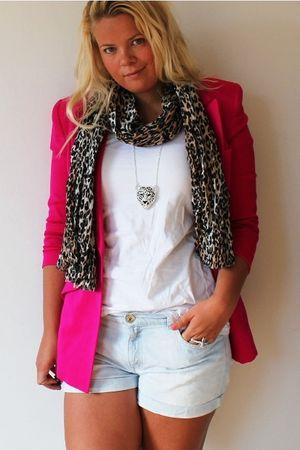 vintage from Ebay blazer - H&M scarf