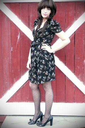 black H & M dress - black Urban Outfitters stockings - black thrifted heels - go