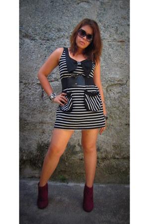 dress dress - Forever 21 boots - Michael Kors sunglasses - Loalde belt